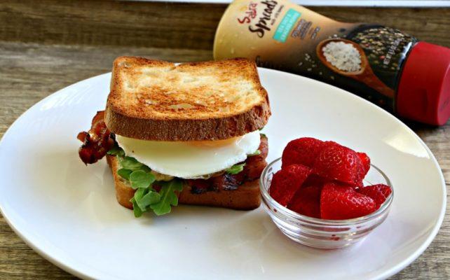 bacon-egg-arugula-sandwich