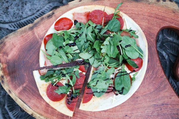 gluten-free-dairy-free-prosciutto-arugula-pizza