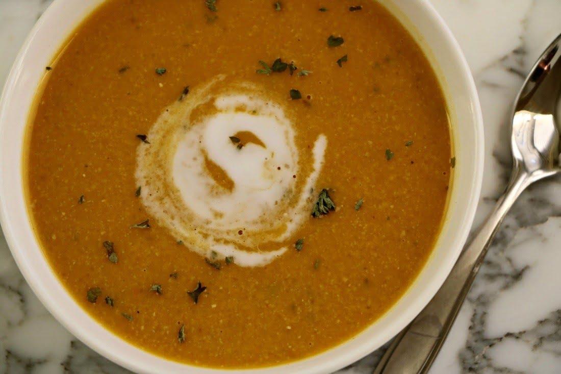Creamy Vegan Pumpkin Chickpea Soup