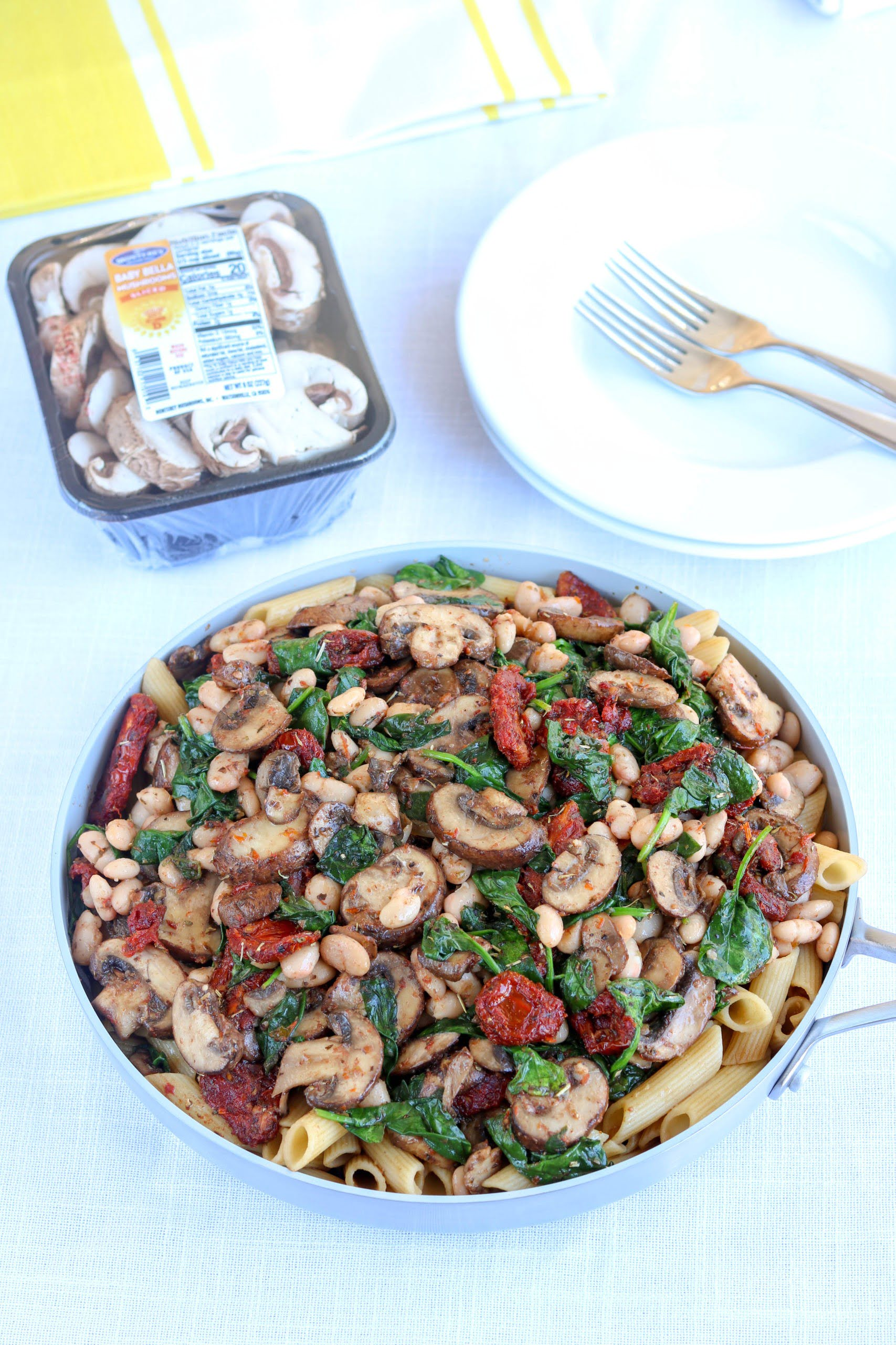 Vegetarian Balsamic Pasta with Mushrooms and Sun Dried Tomatoes